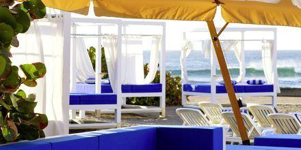 Maui Beach på hotellets strand.