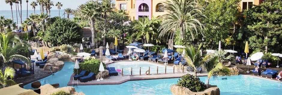 Poolområde på hotel Villa Cortes i Playa de las Americas