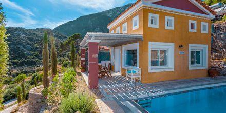 Pool på Hotel Villa Eleonas i Votsalakia på Samos