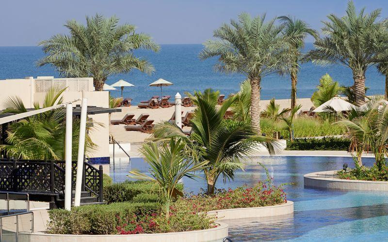 Pool på Waldorf Astoria Ras Al Khaimah