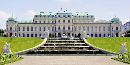 Belvedere Palace er et andet kendt slot i Wien, Østrig.